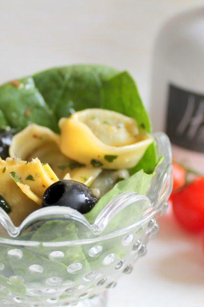 Spinach & artichoke tortellini salad