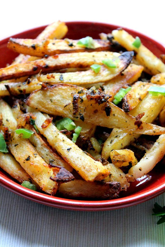batata harra fries with eggplant dip