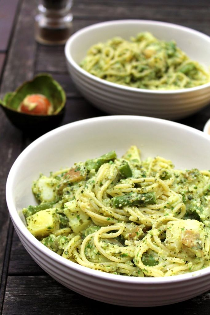 avocado pesto spaghetti genovese