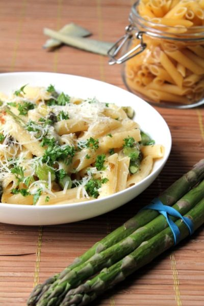 Vegetarian Asparagus Carbonara with White Wine & Manchego