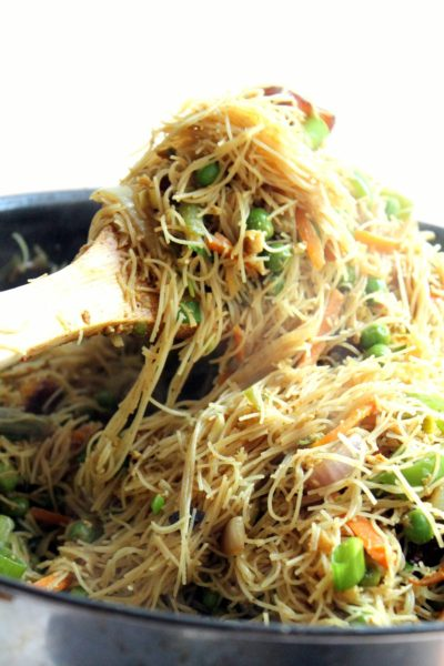 Vegetarian Singapore Noodles with Paneer
