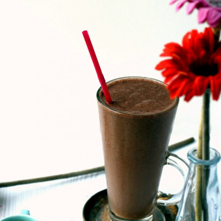 A healthy, energizing breakfast smoothie.