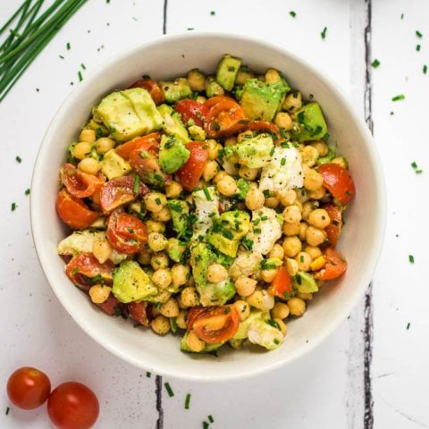 Tricolore Salad with Chickpeas